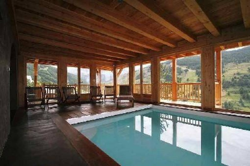 chalet grand luxe avec piscine int rieure hammam vue. Black Bedroom Furniture Sets. Home Design Ideas