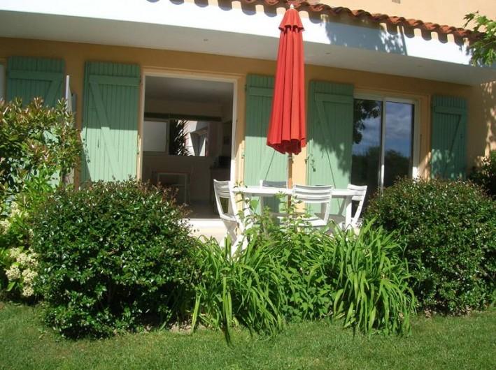 Location de vacances - Gîte à Saint-Cyprien - Terrasse Gîte 2