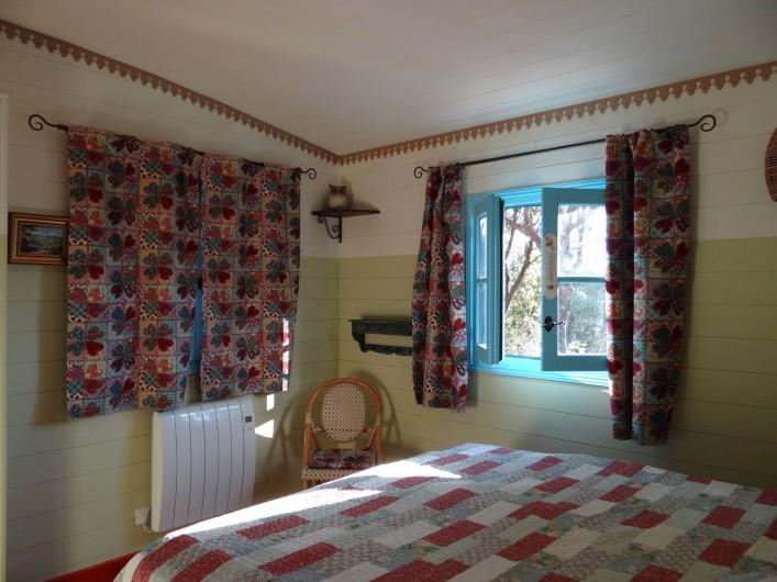 Location de vacances - Roulotte à Aniane - chambre Alégria
