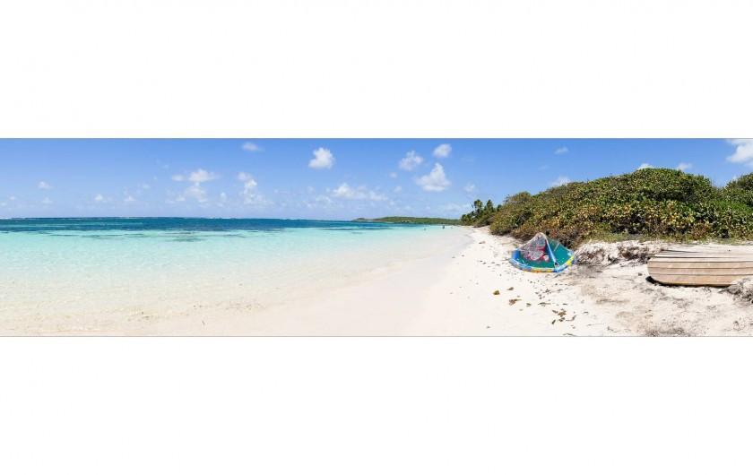 Location de vacances - Villa à Sainte-Anne - Plage la plus proche à environ 600m à pied de la villa.Mer en pente douce.