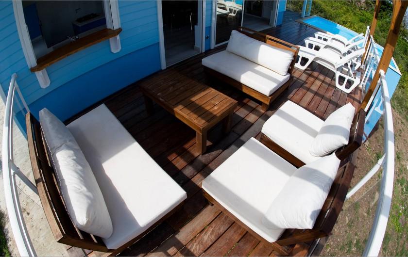 Location de vacances - Villa à Sainte-Anne - Salon extérieur avec vue mer et campagne.Sans vis à vis.