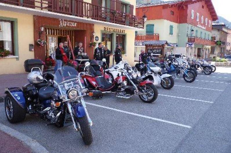 Location de vacances - Hôtel - Auberge à Lanslebourg-Mont-Cenis - Nous accueillions de nombreux groupes de motards et cyclistes en été.