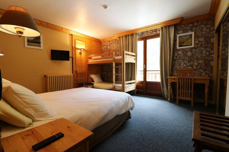 Location de vacances - Hôtel - Auberge à Lanslebourg-Mont-Cenis - L'hôtel dispose de chambres quadruples grand confort idéale pour les familles.