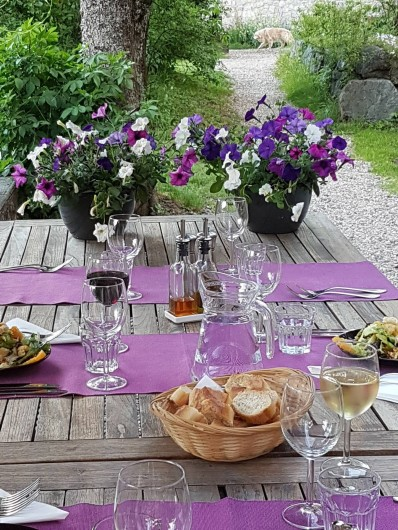 Location de vacances - Chalet à Vaujany - Dinner in the garden