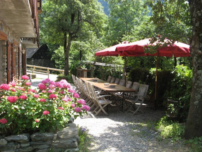Location de vacances - Chalet à Vaujany - Garden in summer