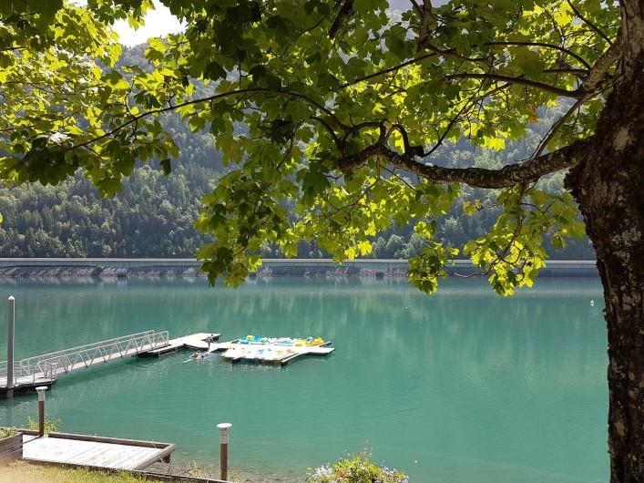 Location de vacances - Chalet à Vaujany - Lac de Verney base nautique