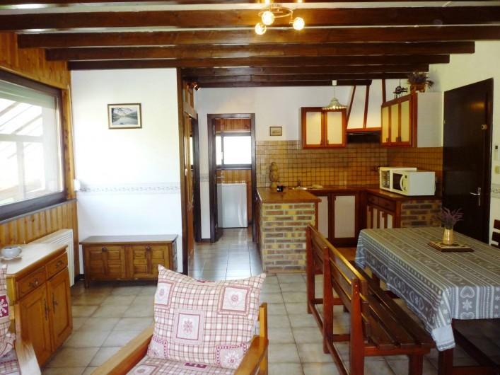 Location de vacances - Gîte à La Bresse - Ensemble salle à manger et cuisine