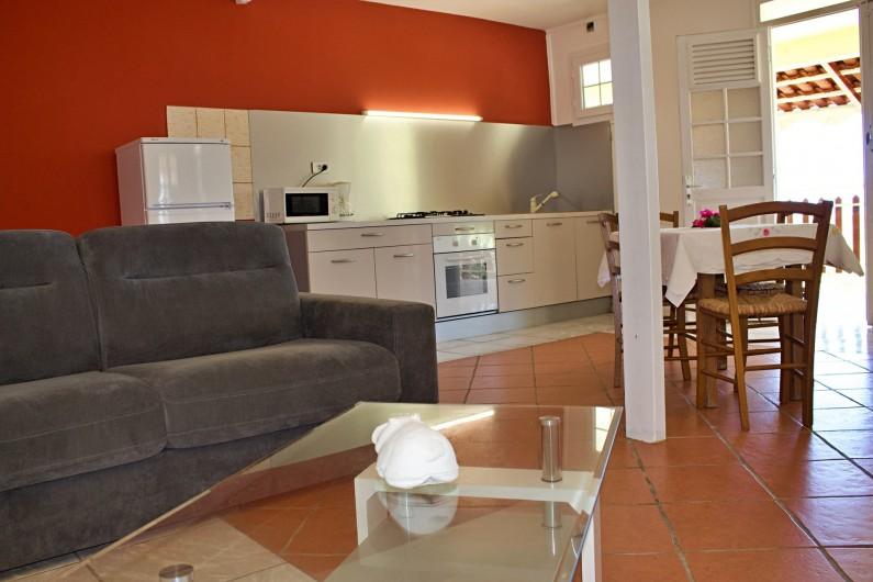 Location de vacances - Villa à Le Vauclin - Pièce principale F2 gauche