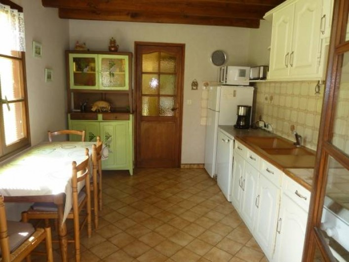 Location de vacances - Gîte à Terrasson-Lavilledieu - CUISINE