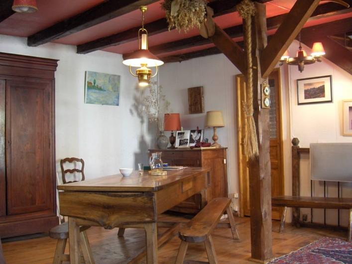 Location de vacances - Gîte à Le Falgoux - Table auvergnate