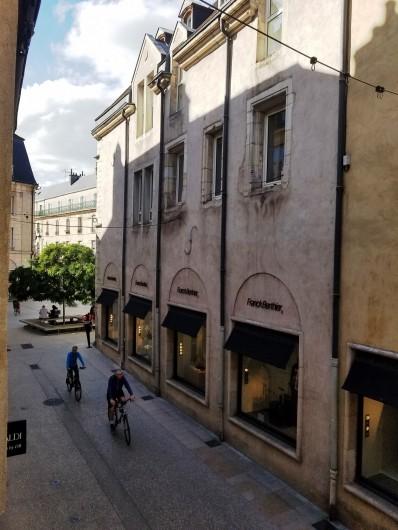 Location de vacances - Appartement à Dijon - Vue de la rue piétonne depuis l'appartement