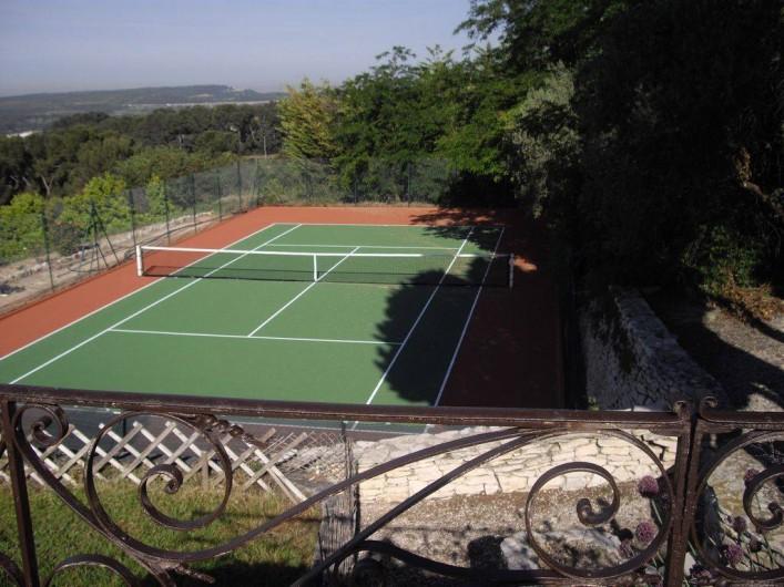 Location de vacances - Villa à Aix-en-Provence - Tennis, avec éclairage