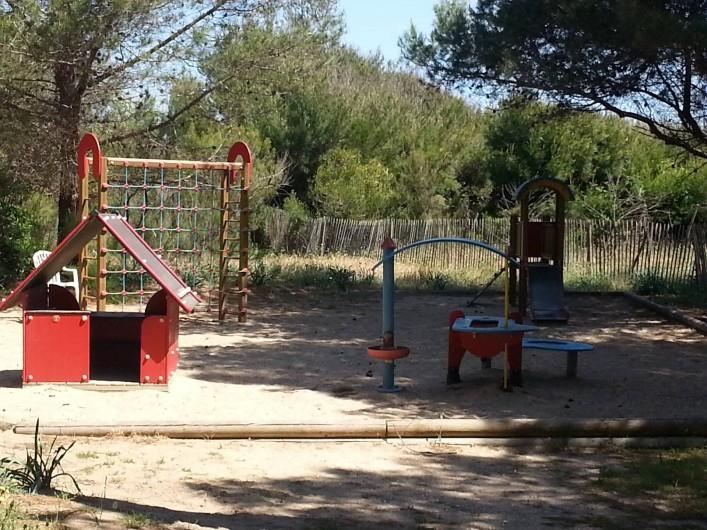 Location de vacances - Appartement à Hyères - jeux enfants