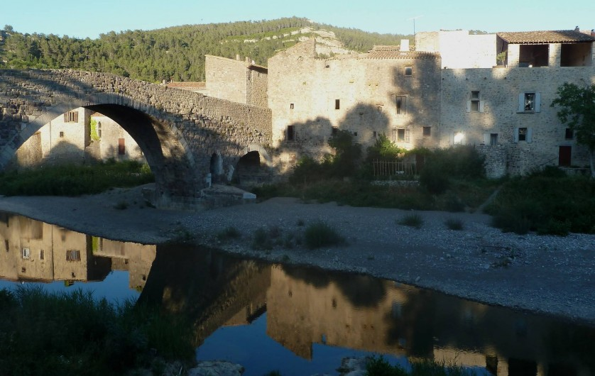 Location de vacances - Appartement à Lagrasse - Au bord de la rivière à l'arrière de la maison
