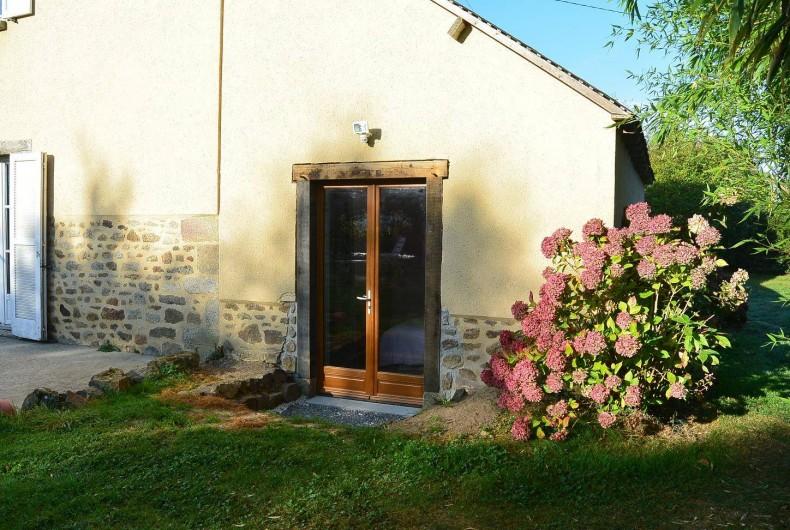 Location de vacances - Chambre d'hôtes à Les Iffs - entrée indépendante de la chambre charlotte