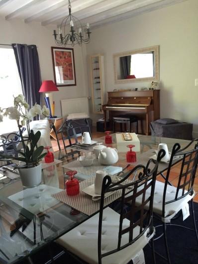 Location de vacances - Chambre d'hôtes à Les Iffs - salle du  petit déjeuner