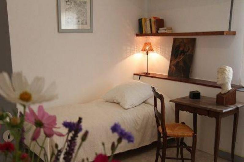 Location de vacances - Mas à Saint-Rémy-de-Provence - Chambre n°2  lit  140x200  lit 090x200