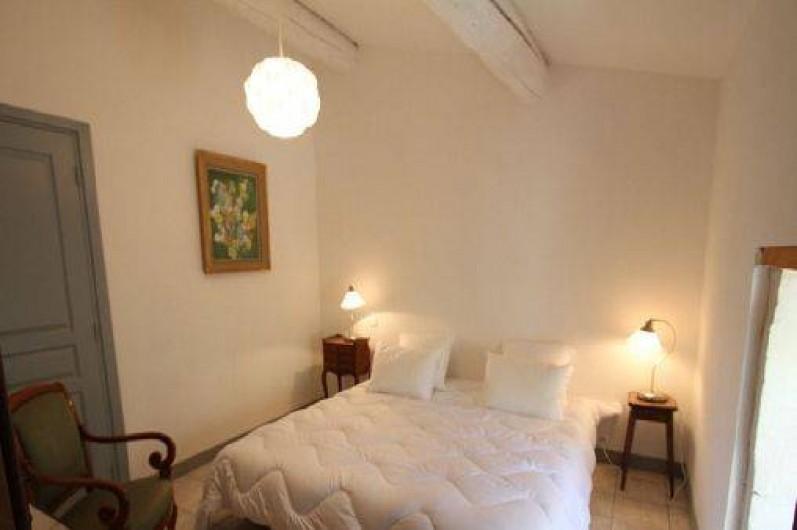 Location de vacances - Mas à Saint-Rémy-de-Provence - Chambre N° 1 lit 180x200 lit d'enfants (3 ans maxi) a la demande