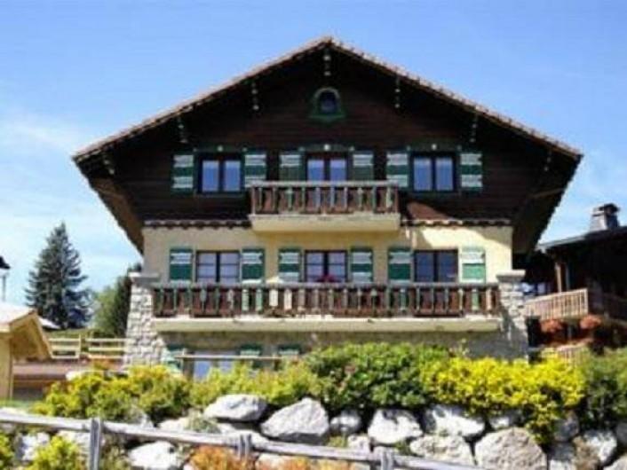 Location de vacances - Appartement à Combloux - L'appartement est au 2ème étage du chalet Mirador