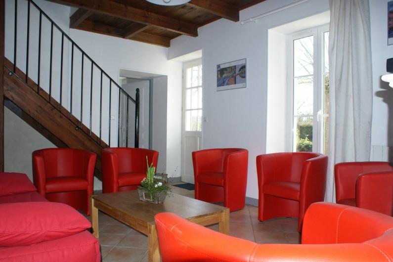 Location de vacances - Gîte à Surgères - Salon télé avec canapé-lit BZ grand confort (160x200cm)