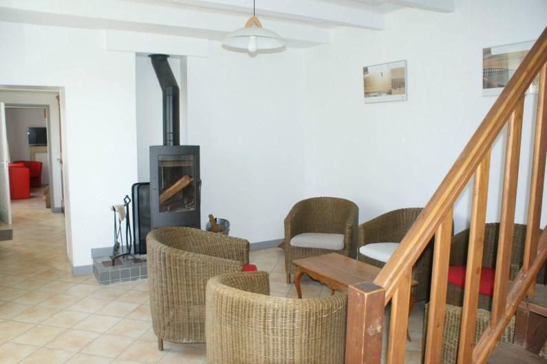 Location de vacances - Gîte à Surgères - Salon avec poêle à bois