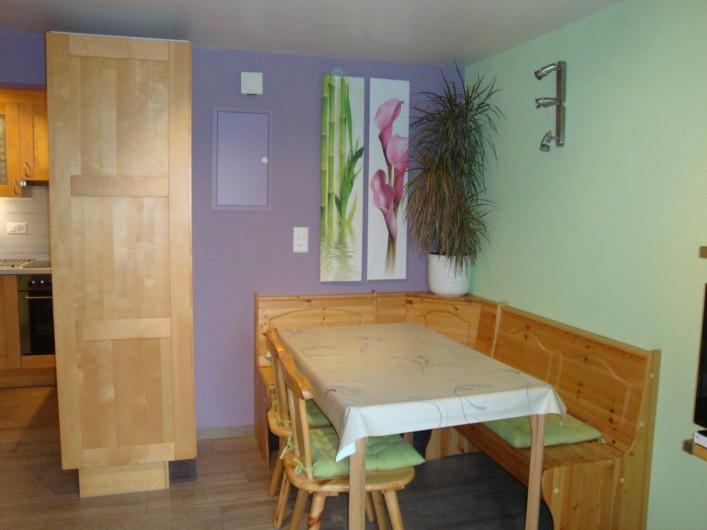 Location de vacances - Appartement à Les Breuleux - coin à manger