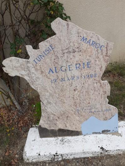 Location de vacances - Appartement à Roussillon-en-Morvan - Pierre historique