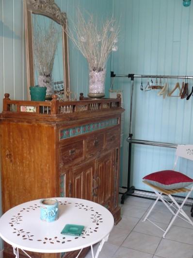 """Location de vacances - Villa à Arsac - Un petit salon pour la chambre """"Cabernet"""""""