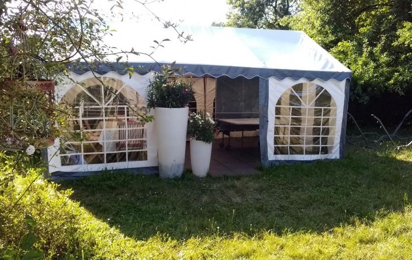 Location de vacances - Villa à Arsac - Une gloriette pour jouer au ping pong à l'abri du soleil