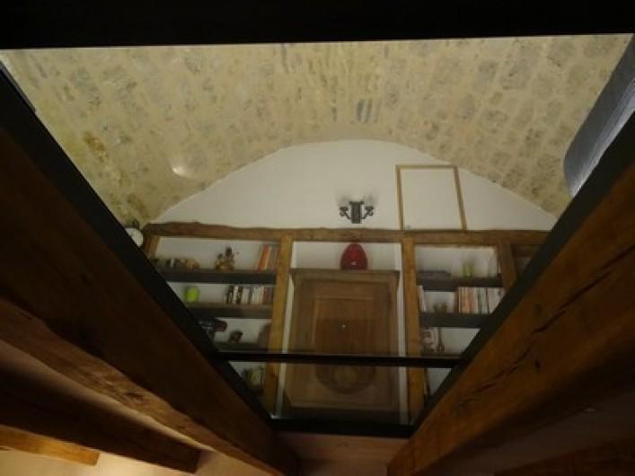 Location de vacances - Gîte à Fontaneilles - Vue sur pièce 2 voûtée depuis la pièce 1