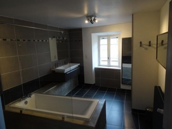 Location de vacances - Gîte à Fontaneilles - Salle de bains avec douche à l'étage