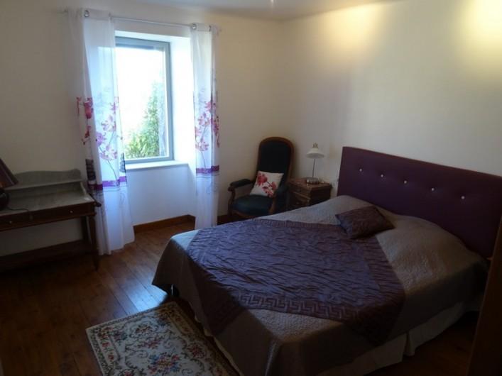 Location de vacances - Gîte à Fontaneilles - Chambre 1 de plain pied lit en 160 x 200