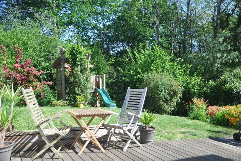 Location de vacances - Villa à Saint-Martin-de-Seignanx - jardin fleuri donnant sur un bois de chênes et de noisetiers, pas de vis à vis