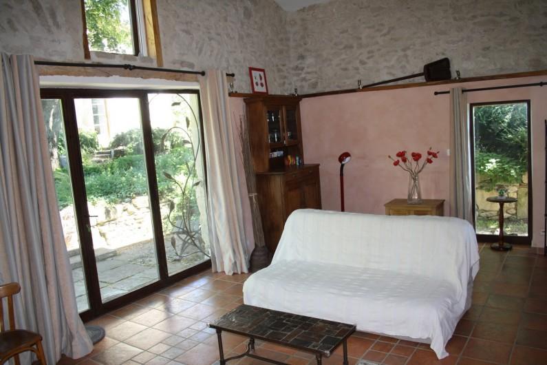 Location de vacances - Gîte à Vaunaveys-la-Rochette - Coin salon : canapé /lit