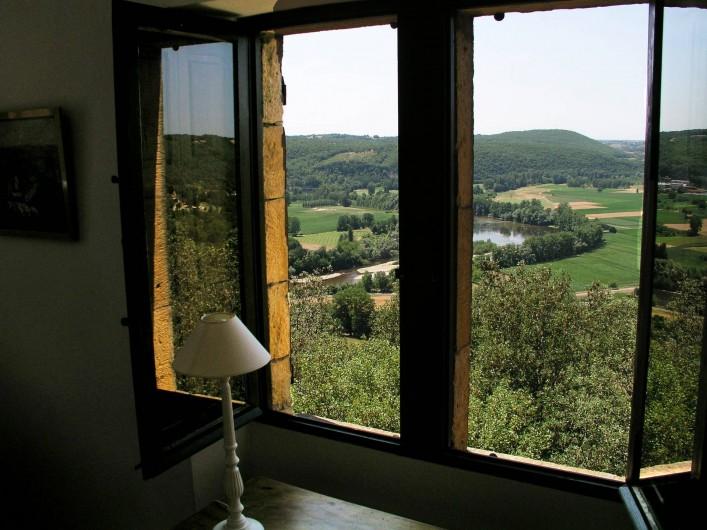 Location de vacances - Maison - Villa à Bézenac - Vue de la chambre de la petite maison