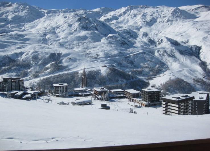 Location de vacances - Appartement à Les Menuires - Vue du balcon sur la vallée du loup