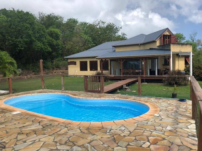 Location de vacances - Villa à Deshaies - Piscine clôturée