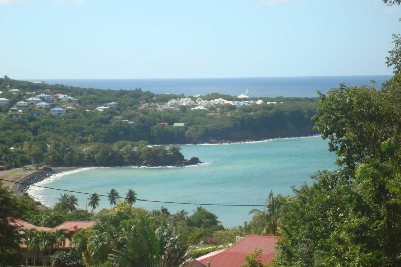 Location de vacances - Villa à Deshaies - Vue sur Ferry