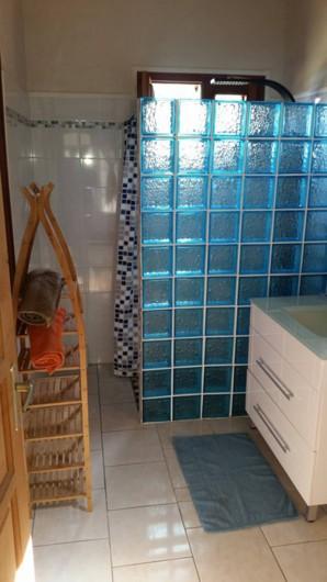 Location de vacances - Villa à Deshaies - Salle de bain 1