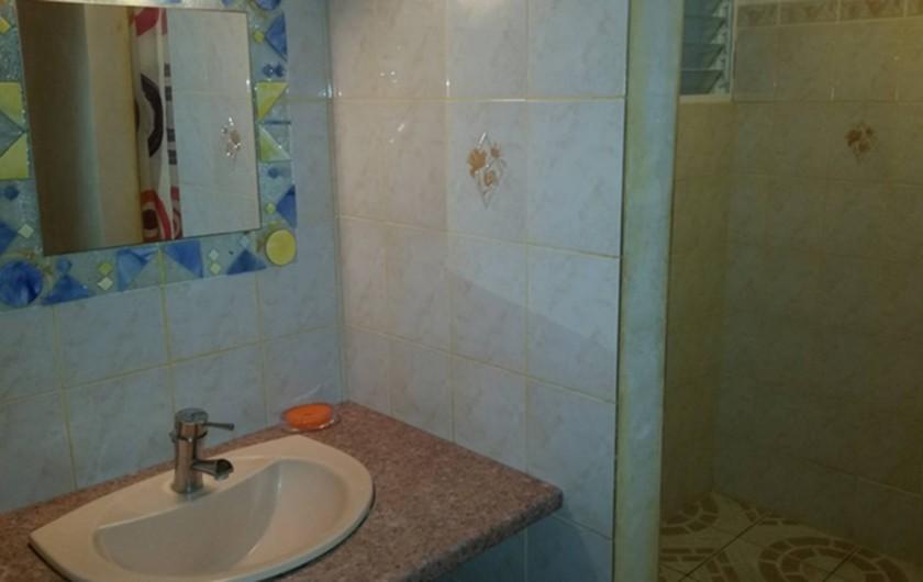 Location de vacances - Villa à Deshaies - Salle de bain 2