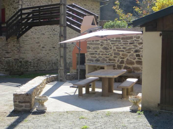 Location de vacances - Gîte à Mayran - Coin barbecue 1