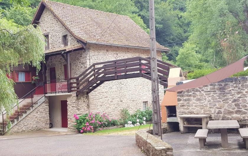 Location de vacances - Gîte à Mayran - Moulin et son coin barbecue