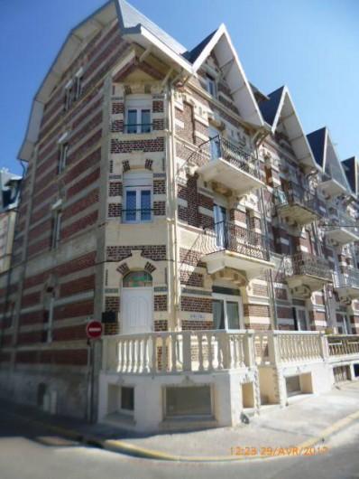 Location de vacances - Studio à Berck - Le Mistral : immeuble de style berckois à moins de 20m de la plage