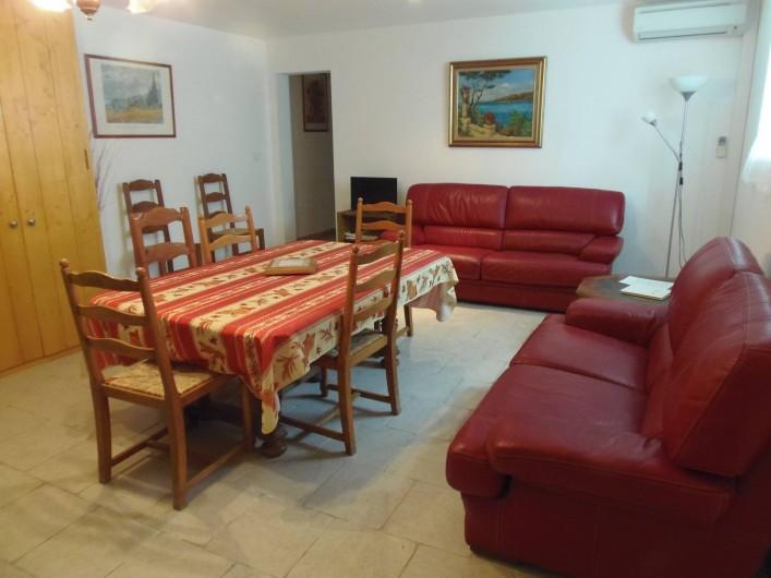 "Location de vacances - Appartement à Le Sambuc - GITE  N° 6   ""L'ACACIA""   8 PERSONNES"