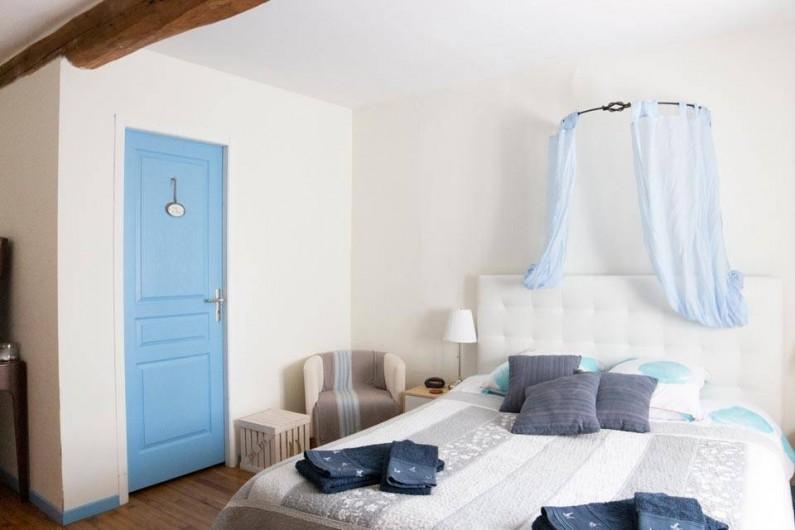 """Location de vacances - Chambre d'hôtes à Senouillac - Chambre """"Bleue Pastel"""""""