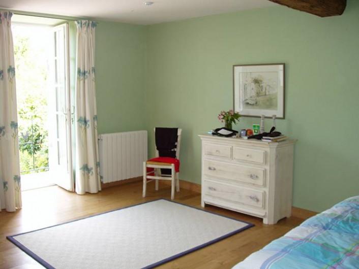 Location de vacances - Chambre d'hôtes à Douchapt - Chambre Hortensia