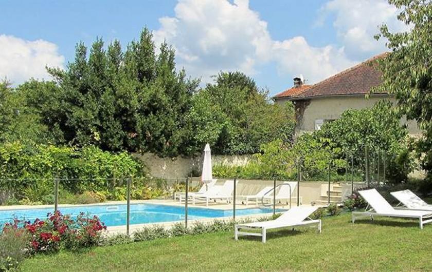 Location de vacances - Chambre d'hôtes à Douchapt - La piscine sécurisée de 12 x 6