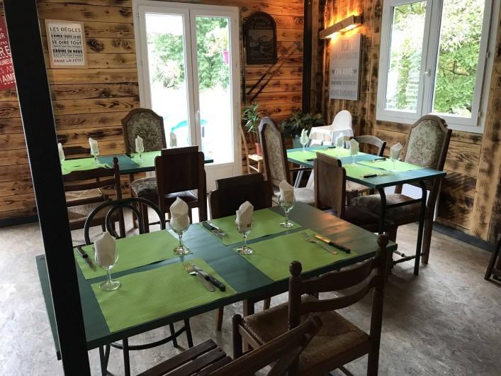 Location de vacances - Camping à Lincou - salle de restaurent du Domaine