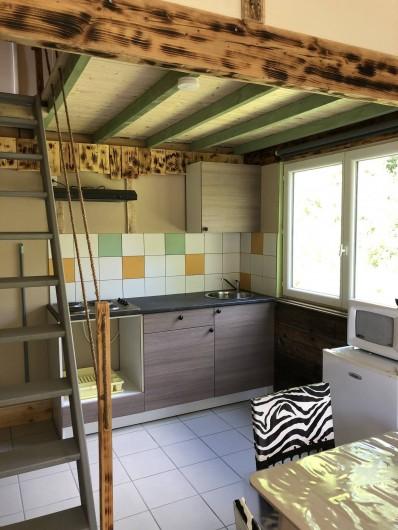 Location de vacances - Camping à Lincou - Accès étage Lodge Safari