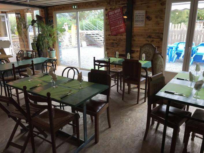 Location de vacances - Camping à Lincou - salle de restaurant
